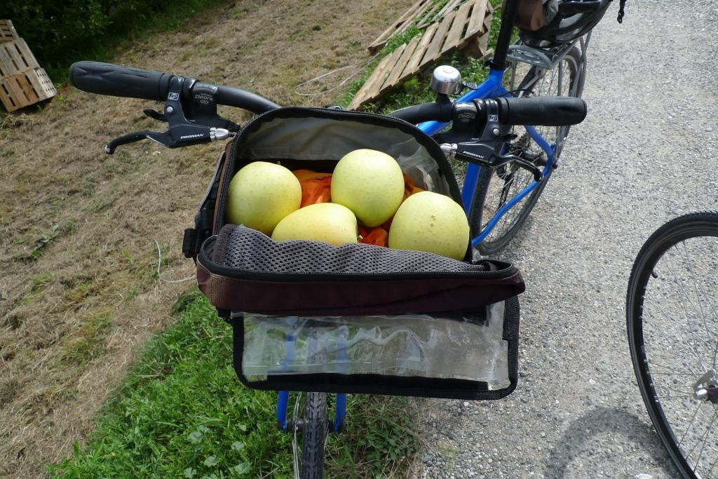 Biking for Apples in #Provence @PerfectlyProvence