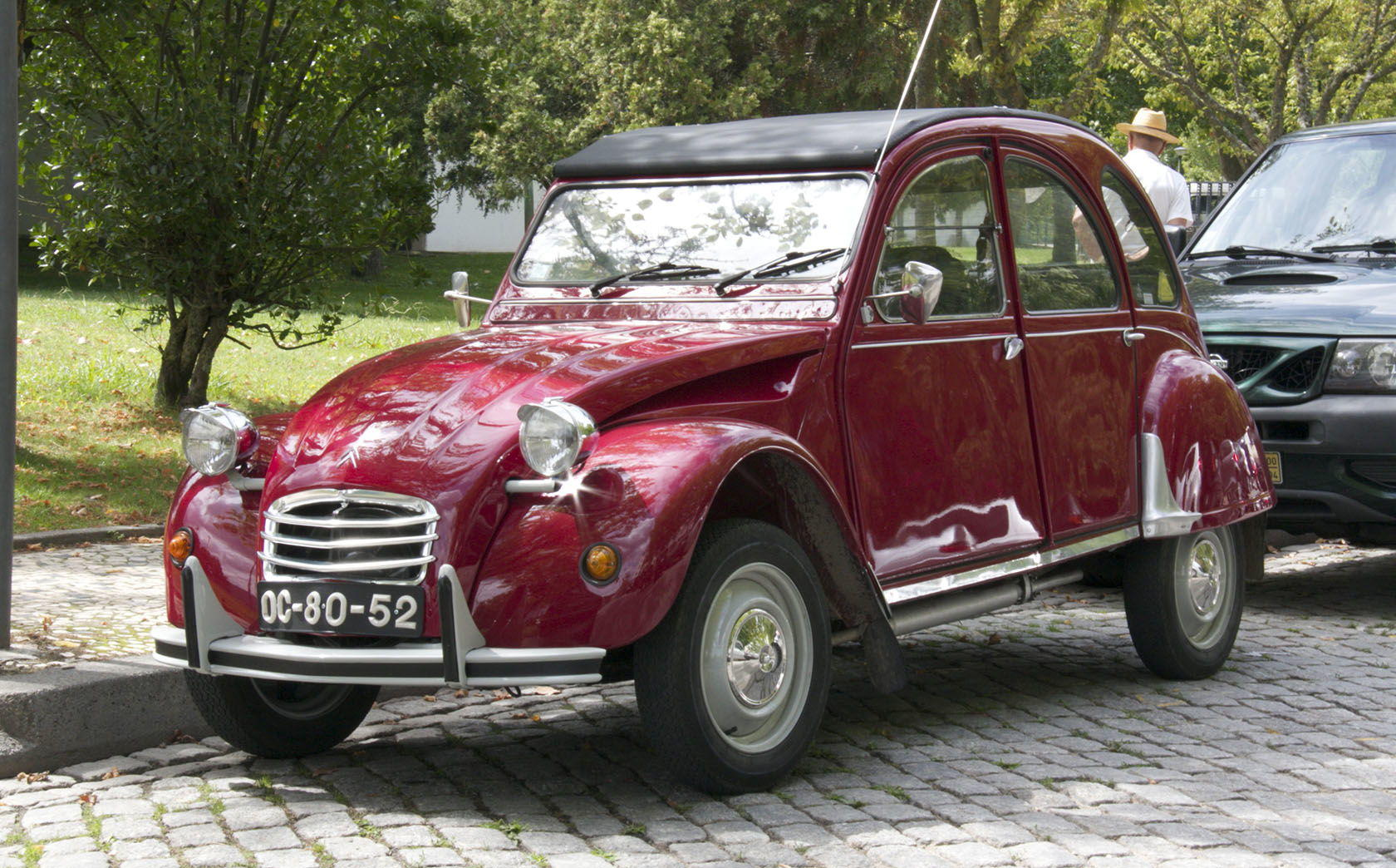 2cv experience spend a day in a deux chevaux. Black Bedroom Furniture Sets. Home Design Ideas