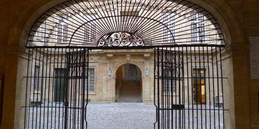 Hotel de Ville Aix-en-Provence #AixenProvence @PerfectlyProvence
