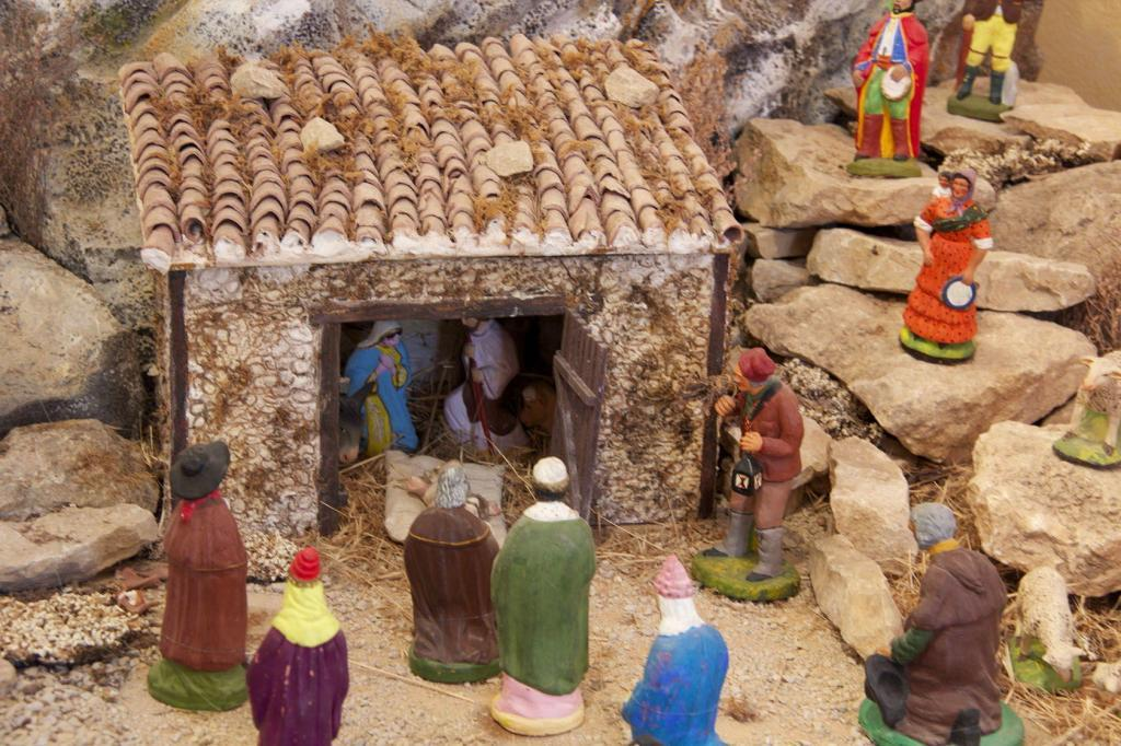 Santons #Provence #Christmas Traditions @PerfProvence