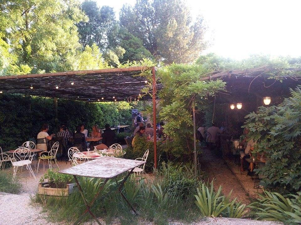 Le jardin restaurant in mallemort for Restaurant jardin lee