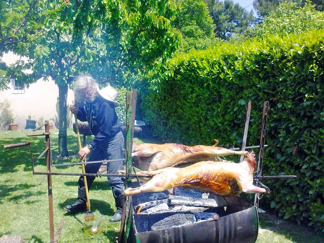 Mechoui barbecue w. oil brush #TasteProvence
