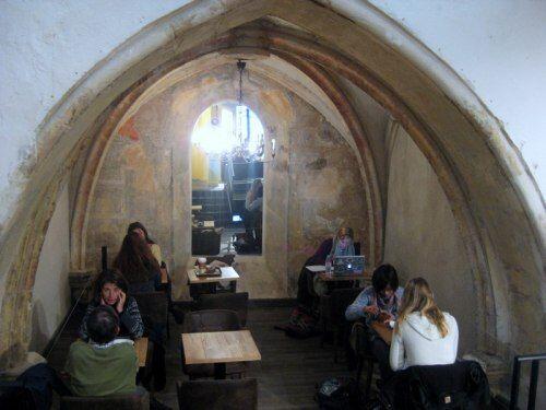upstairs Columbus Café #cafe #AixenProvence @Aixcentric