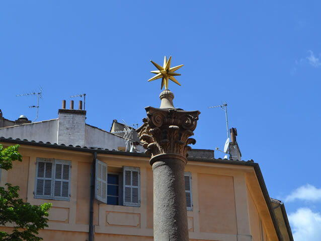 Easter chic in aix en provence for Piscine yves blanc aix en provence