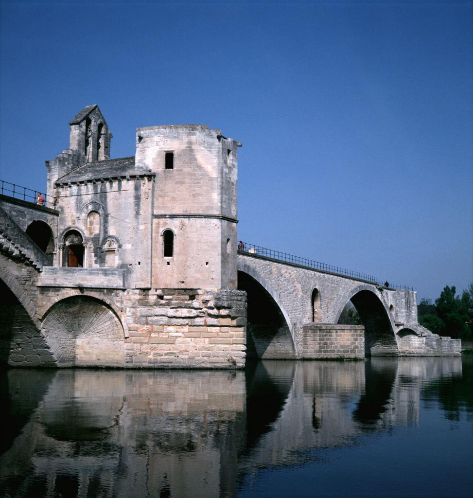 Pont d'Avignon Provence @paulshawcrossuk