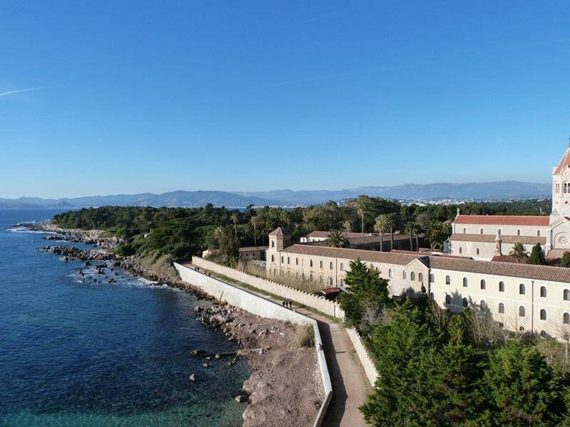 St Honorat monastery with Cannes behind @FibiTee
