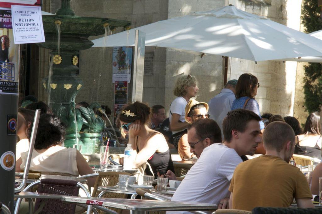 #Avignon cafe #Provence @PerfProvence