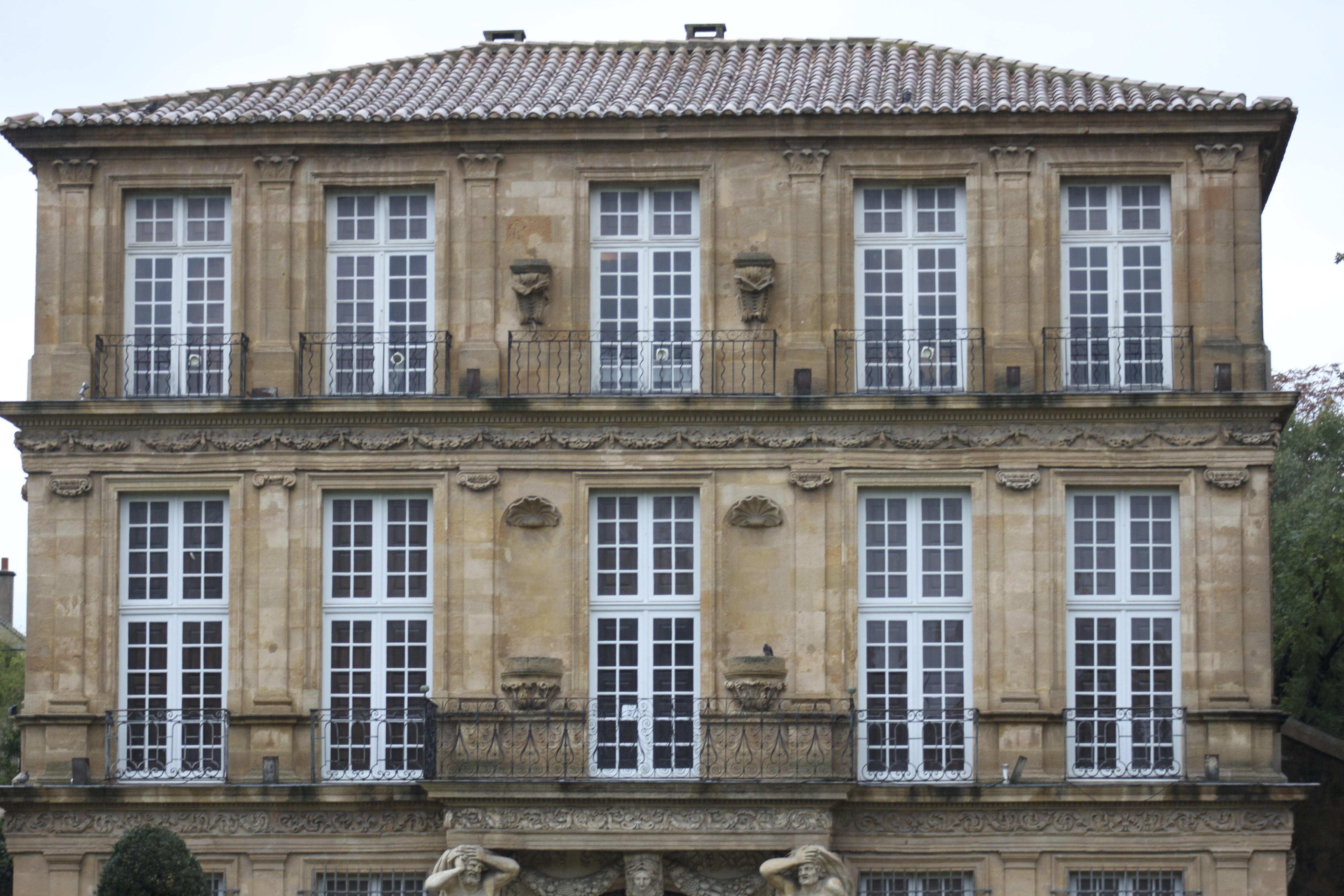Pavillon de vendome the pleasure palace of provence for Piscine yves blanc aix en provence