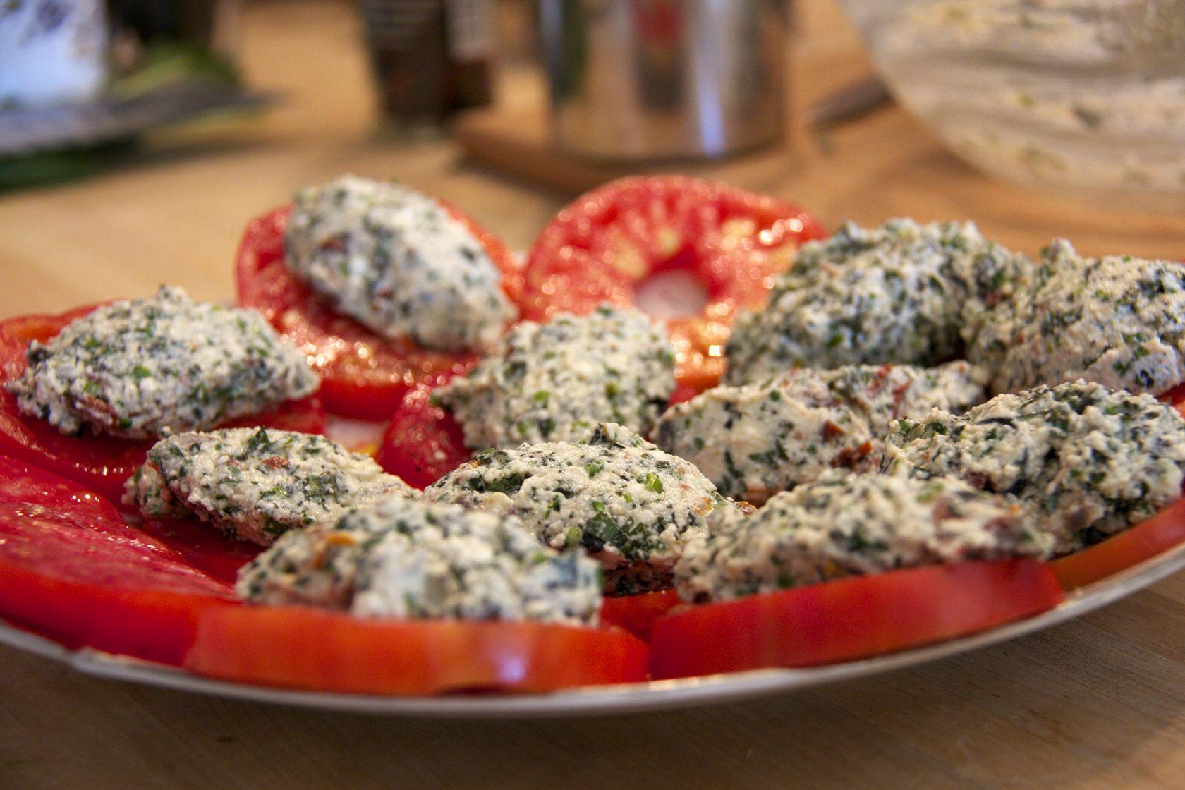 Tomatoes with Bruccio quenelles