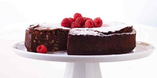 Chocolate cake #Food Styling #afoodstylistslife @VivaldoGroup