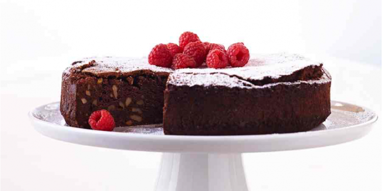 Chocolate cake #Food Styling #afoodstylistslife @VivaldoGroup
