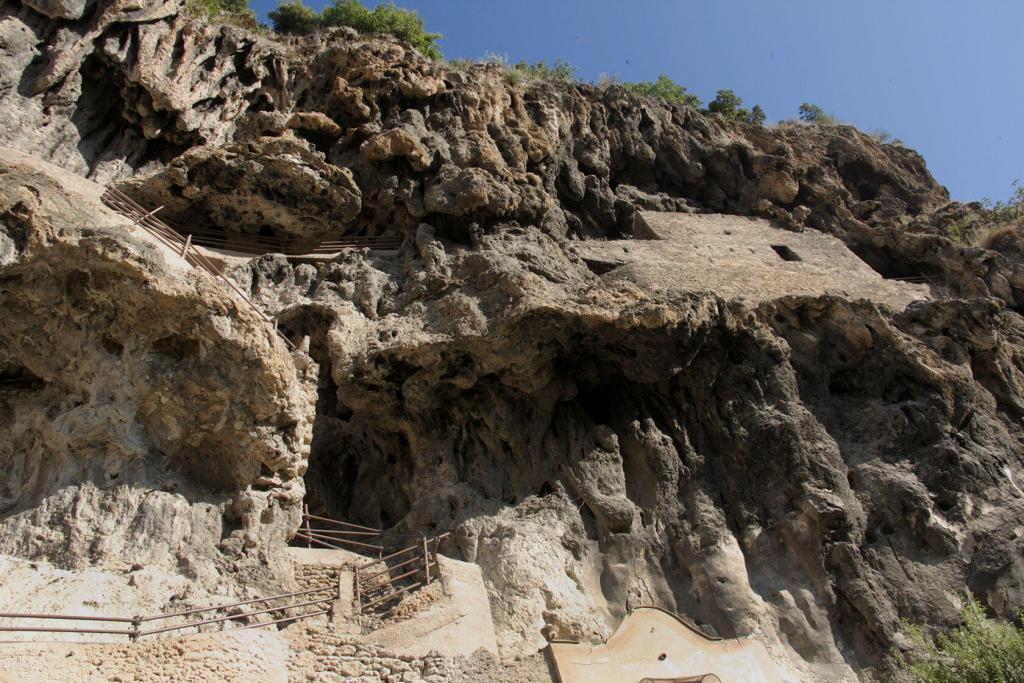 Cliff living in Cotignac #Cotignac #Var #Provence