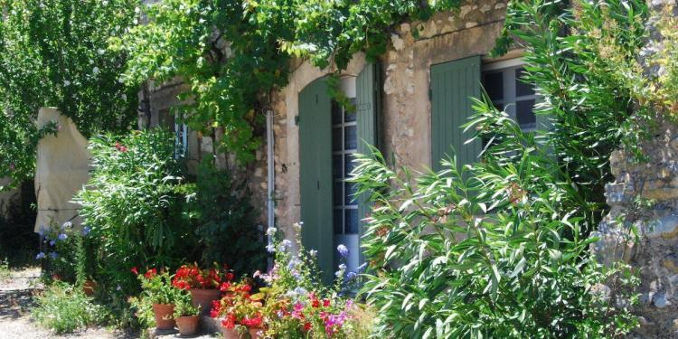 Buying a house in Provence #Provence via @Provence_Search