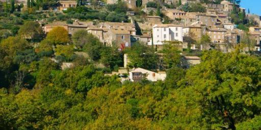 Real Luberon Lacoste Village