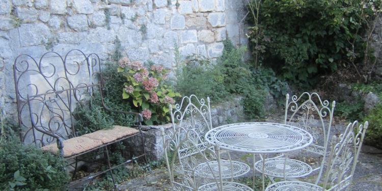 A Garden in #Provence @ElizabethBard