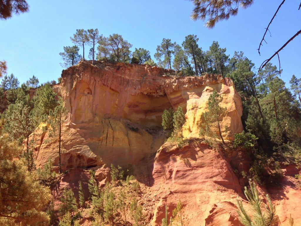 Ochre Cliffs in Roussillon #Roussillon #Luberon #Provence