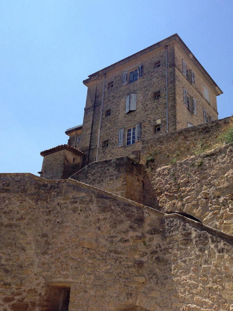 Lauris Chateau Views #Lauris #Provence