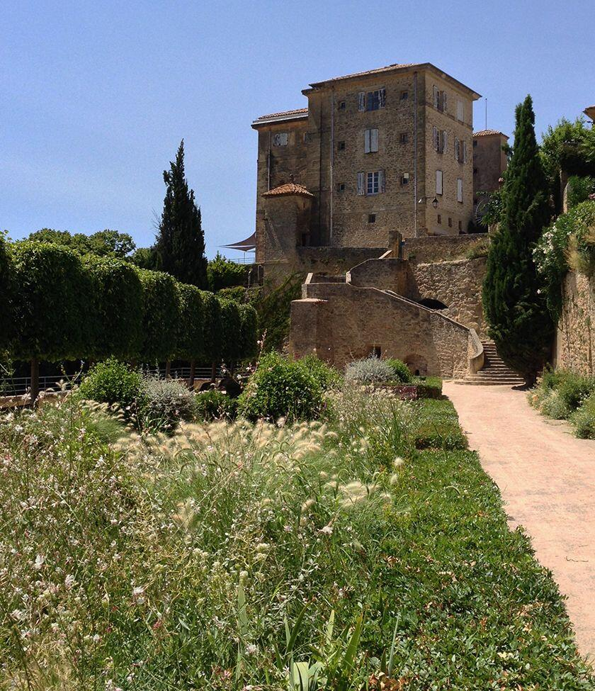 Lauris Chateau #Lauris #Provence