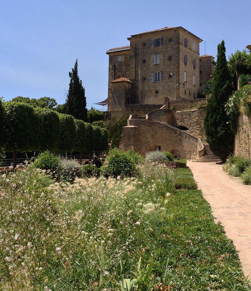 Lauris Chateau #Lauris #Provence