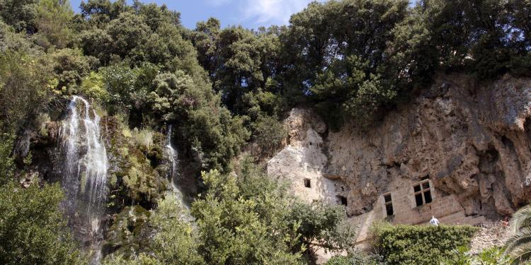 Villecroze caves #Grottos #Provence #VisitVar