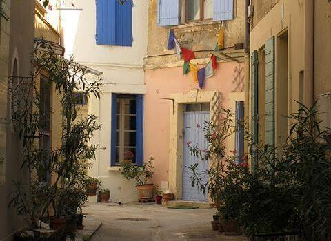 Touring Lost in Arles Colours of Arles #Arles Heather Robinson @LostinArles @HeatherRobinson