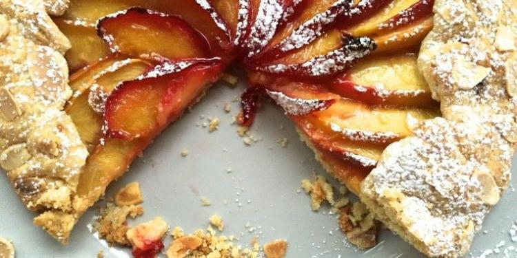 Peach and Plum Tart #Recipe #Peaches #Plums @MirabeauWine