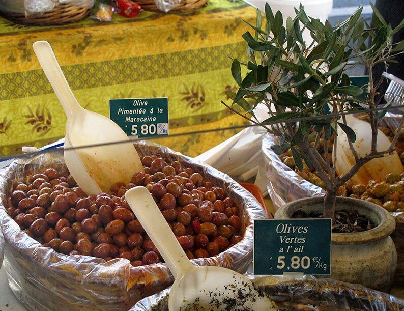 Olives #Provence @LostinArles @HeatherRobinson