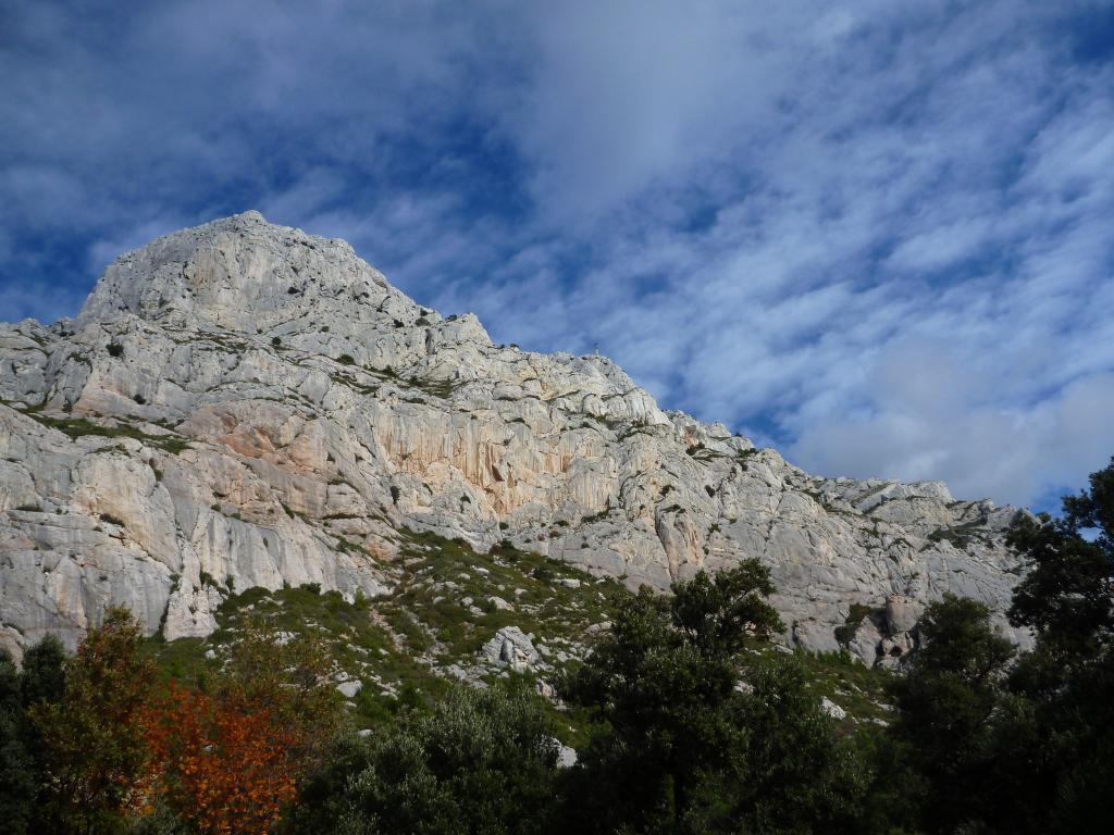 Mont Sainte-Victoire views #MontSainteVictoire #Provence