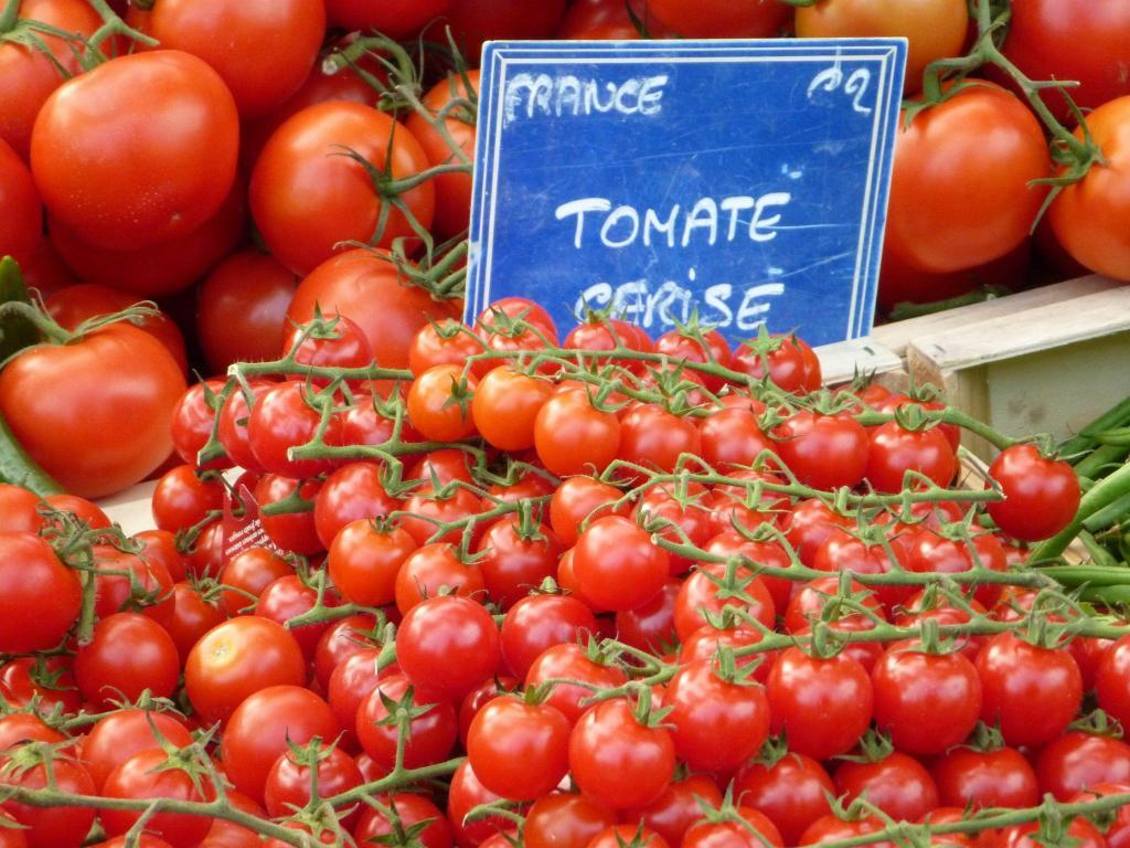 #Tomatoes in #Provence @PerfProvence