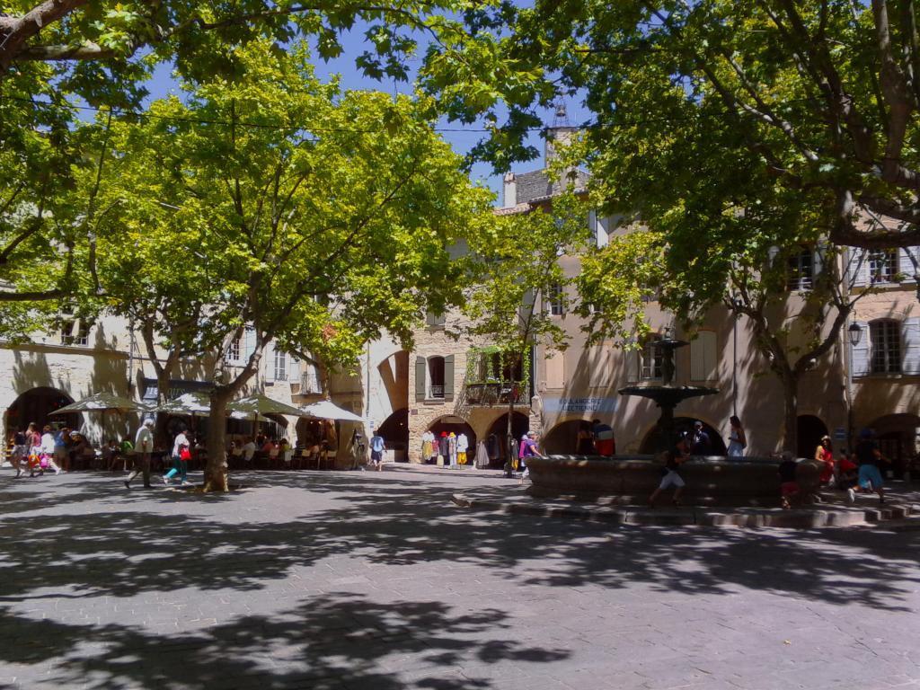 Uzes Place aux Herbes #Uzes #PlaceauxHerbes @dgnbarker