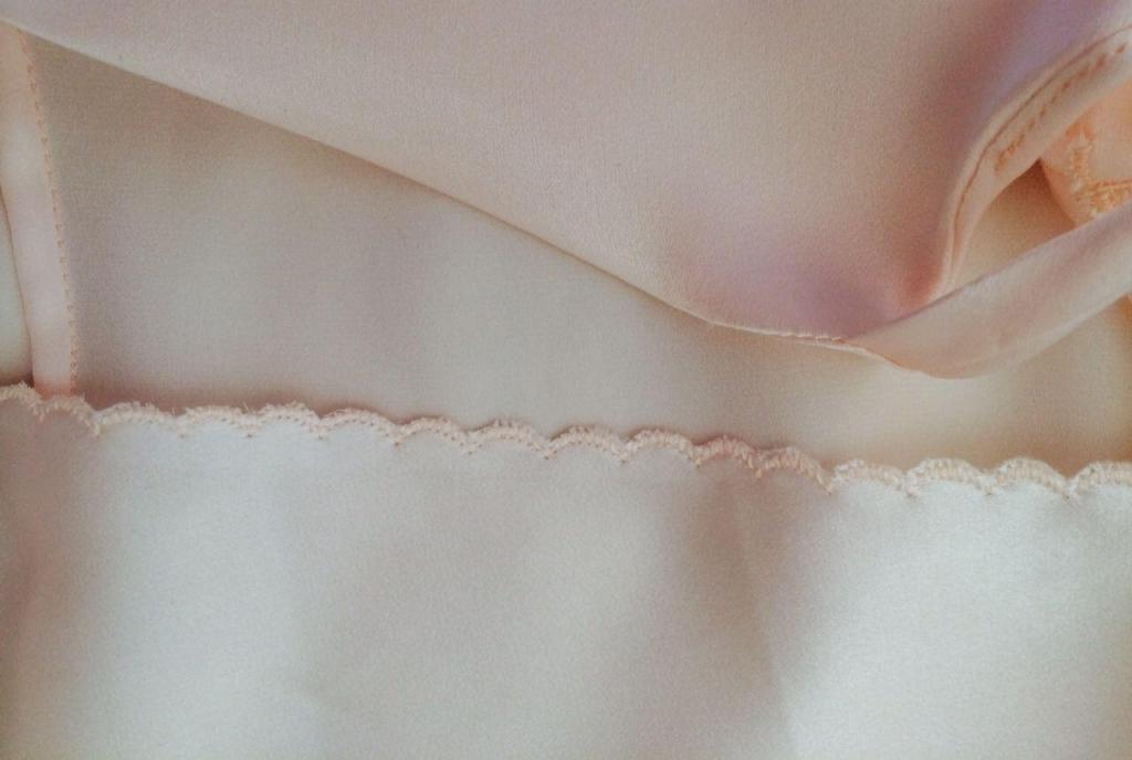 Detail silk satin slip @AmorginaAnnie @alabreche_annie
