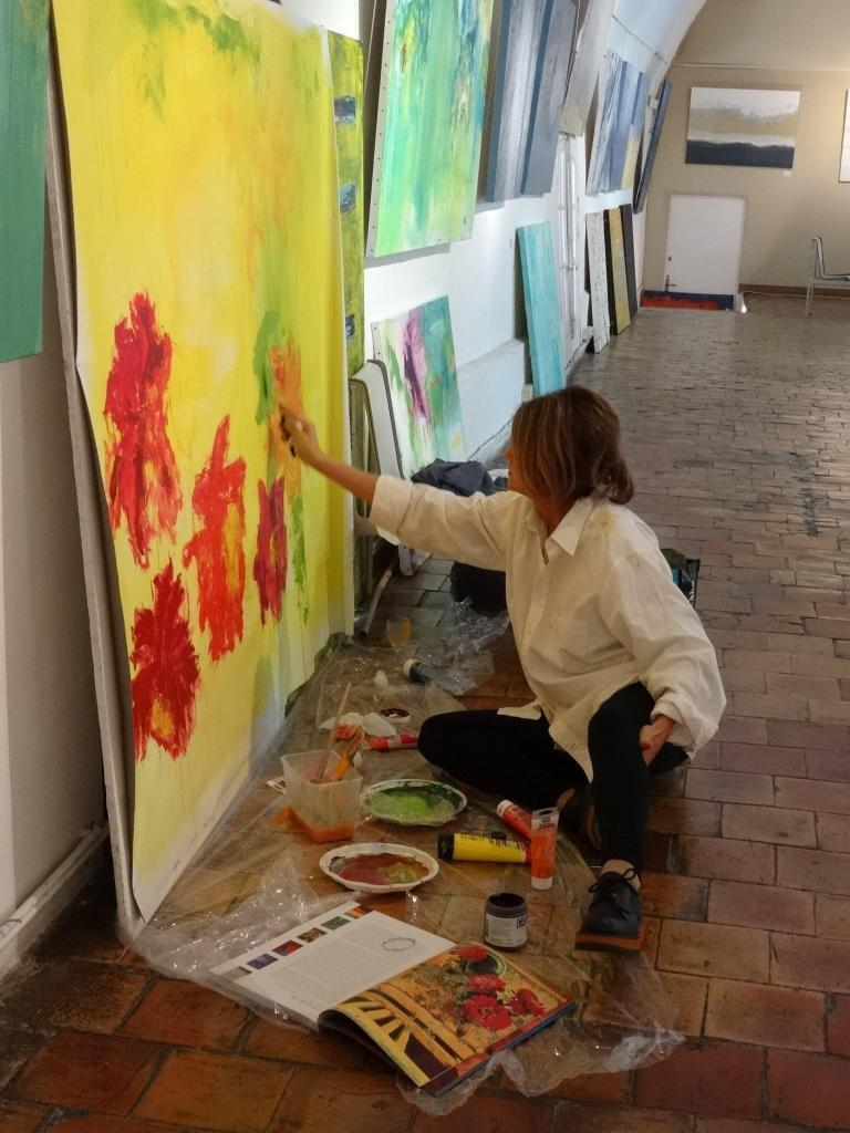 Barbara painting in La Prevote @BarbaraPitcher