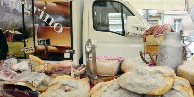 Foire Gourmand au Gras #Markets #Provence @CuriousProvence