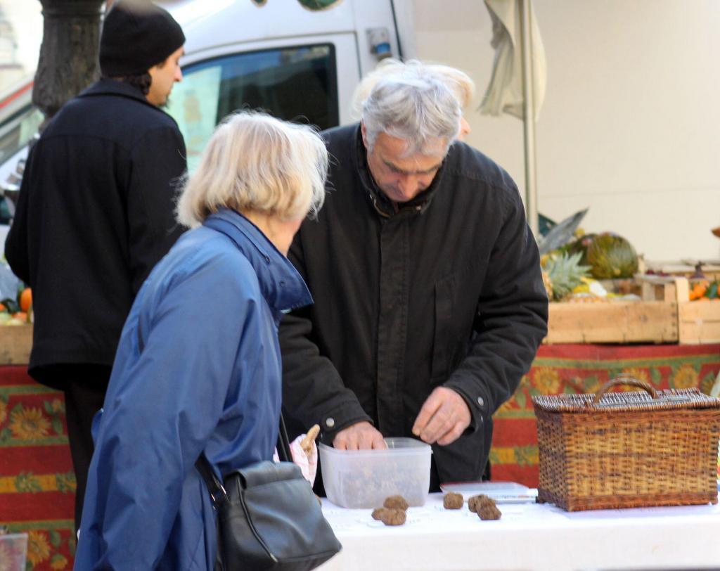 Truffles Provence Truffle Markets
