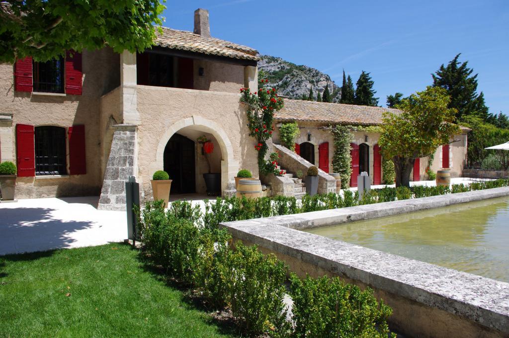 Domaine de La Vallongue #WinesofProvence Les Alpilles #AOPLesBauxdeProvence