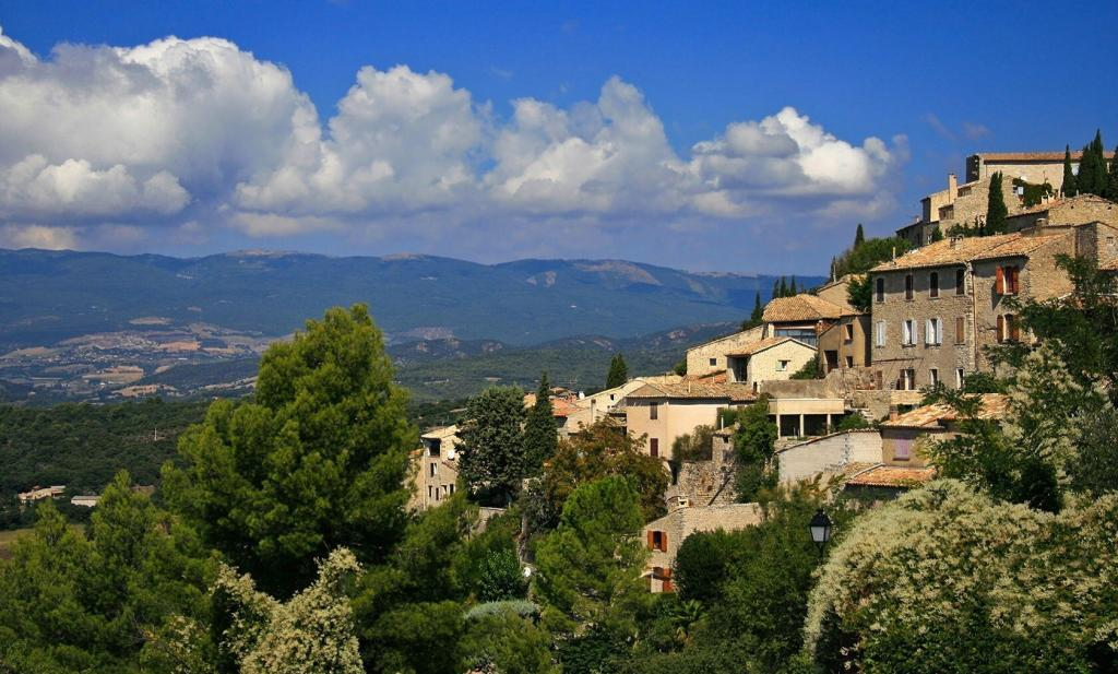 Lurs in the Luberon @Inntravel