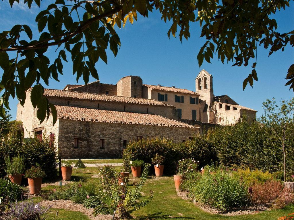 Priory near Forcalquier Salagon #Provence @Inntravel