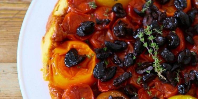Tarte tartin aux tomates et olives @MirabeauWine