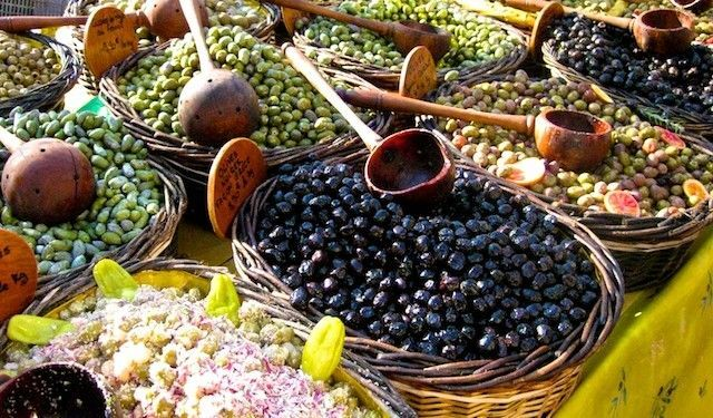 Olives for sale in the Uzes market #Uzes @ShutrsSunflowrs
