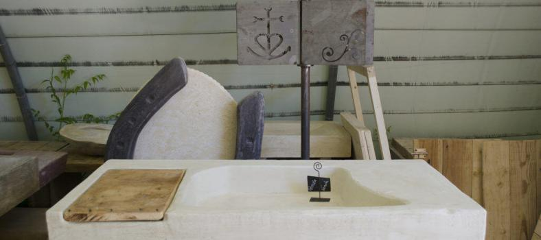 Stone Sink #Renovation #Provence @CuriousProvence