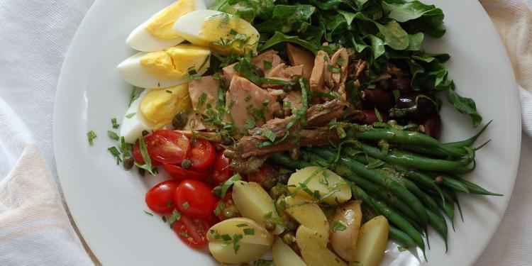 Salade Niçoise #TastesofProvence @CocoaandLavender