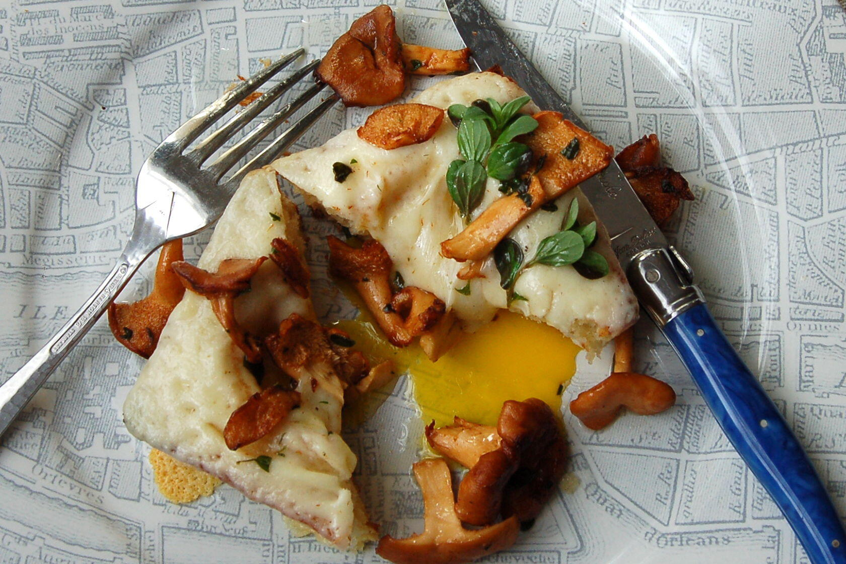 Bistro Sandwich Chanterelle Mushrooms toasted bread box Chanterelle Mushrooms @CocoaandLavender