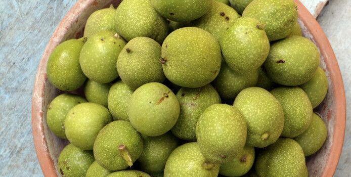 Green Walnuts for wine #TastesofProvence @CuriousProvence