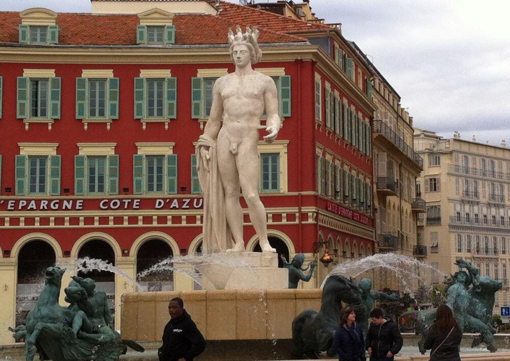 Apollo statue, Place Massena @margo_lestz