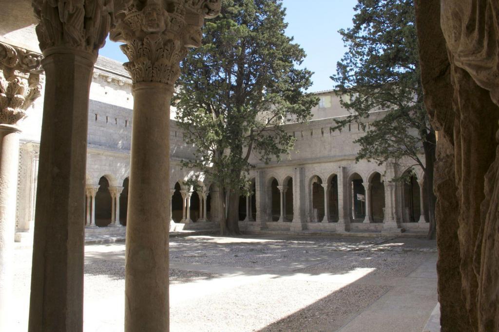 Arles cloister #Arles #ExploreProvence @PerfProvence