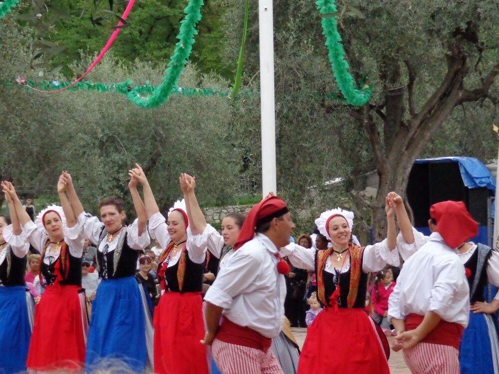 Nicois Traditional dance @margo_lestz