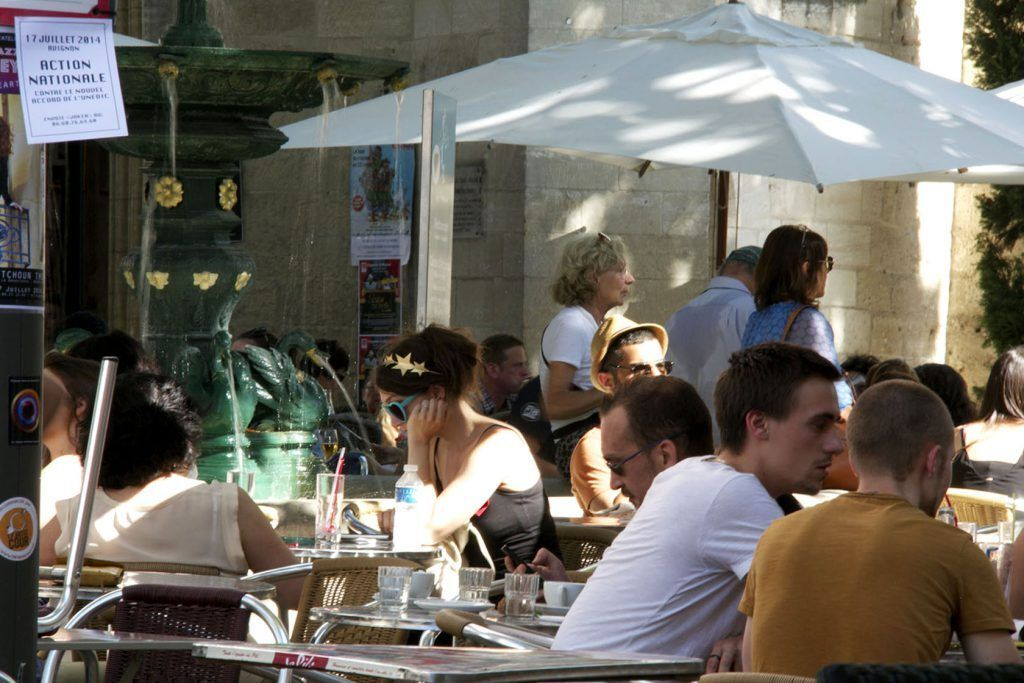 Hang out in a cafe @perfProvence