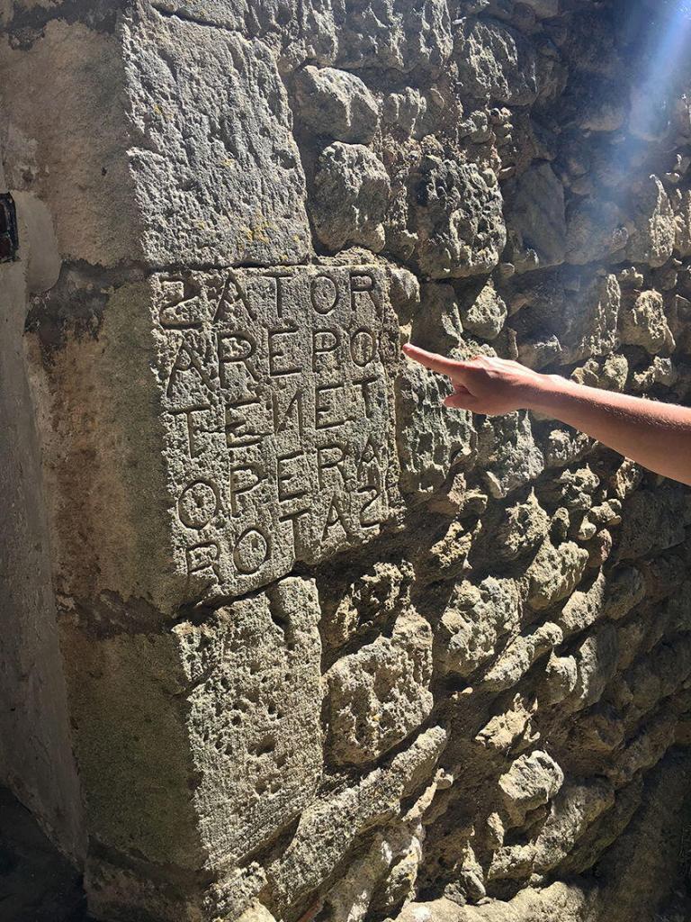 Luberon Historical Trails #ExploreProvence #BlissFR @PerfProvence @BlissinFrance