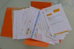 dossier paperwork @FrenchLessonsBlog