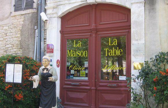 Dining in France @CobblestonesandVineyards
